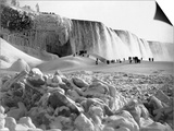 Niagara Falls in Winter Posters