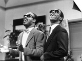 Eddie Murphy Taking off and Singing with Stevie Wonder, July 1988 Plakater