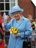 Queen Elizabeth II Attended a Service to Mark 400th Anniversary of Market Town's Royal Charter Prints