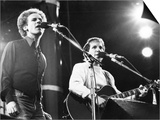 On Stage. Art Garfunkel and Paul Simon at Wembley. June 1982 Kunstdrucke