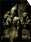 Pharaoh Menkaure with Two Goddesses, Egyptian Museum, Cairo, Egypt Poster af Kenneth Garrett