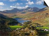 View to Llynnau Mymbyr and Mt Snowdon, North Wales Poster von Peter Adams