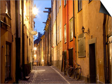 Historic Old Street in Gamla Stan (Old Town) in Stockholm, Sweden Kunstdrucke von Peter Adams