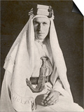 T E Lawrence (Lawrence of Arabia) in Desert Robes Posters