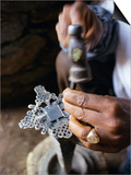 Bruno Barbier - Close-Up of Blacksmith's Hands Working on Metal Cross, Axoum (Axum) (Aksum), Tigre Region, Ethiopia Obrazy