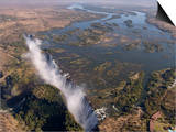 Victoria Falls, UNESCO World Heritage Site, Zambesi River, on the Border of Zambia and Zimbabwe Poster af Sergio Pitamitz
