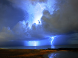 Lightning on Beach in Mexico Fotografisk tryk af  Chasethesonphotography