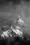 Chogolisa Peak - Bride Peak (7665M) Fotografisk tryk af By Haider Ali