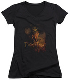 Juniors: Trick R Treat - Movie Poster V-Neck Shirt