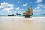 Te Horo Rock, Cathedral Cove, Coromandel, NZ Photographic Print by Robin Galloway