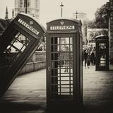 Red Telephone Booths - London - UK - England - United Kingdom - Europe Reproduction photographique par Philippe Hugonnard
