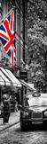 London Taxi and English Flag - London - UK - England - United Kingdom - Door Poster Fotografisk tryk af Philippe Hugonnard
