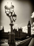 Royal Lamppost UK and Houses of Parliament and Westminster Bridge - Big Ben - London - England Fotografie-Druck von Philippe Hugonnard