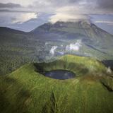 Rwanda Aerial View of Africa, Mount Visoke With Fotografisk tryk af Adrian Warren