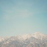 Mountain Tops Fotografie-Druck von Laura Evans