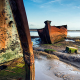 Rusting Boats on Mud Banks Reproduction photographique par Craig Roberts