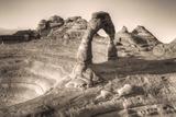 Alternate View at Delicate Arch (Sepia Toned), Utah Reproduction photographique par Vincent James