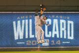 Wild Card Game - Oakland Athletics v Kansas City Royals Lámina fotográfica por Dilip Vishwanat
