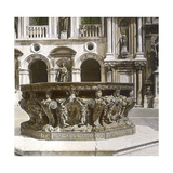 Venice (Italy), Courtyard of the Ducal Palace, the Well, Circa 1895 Photographic Print by Levy et Fils, Leon