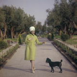 Sylva Koscina Walking with a Dog Fotografisk trykk av Marisa Rastellini