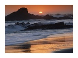 Crashing surf on rocks at sunset, Point Piedras Blancas, California Posters by Tim Fitzharris
