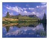 Grand Turk and Sultan Mountain reflected in Molas Lake, Colorado Posters af Tim Fitzharris