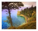 Castle Rock overlooking Lake Superior, Pictured Rocks National Lakeshore, Michigan Posters by Tim Fitzharris