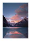 Alpenglow, Lake Louise and Victoria Glacier, Banff National Park, Alberta, Canada Plakater af Tim Fitzharris
