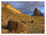 Shiprock, the basalt core of an extinct volcano, New Mexico Lámina por Tim Fitzharris
