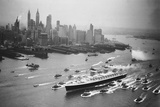 SS United States Arrives in Manhattan Photographic Print