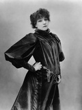 Sarah Bernhardt Standing with Hand on Hip Fotoprint van  Nadar