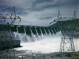 Water Flowing over Spillway of Grand Coulee Dam Photographic Print by Philip Gendreau