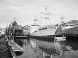 Pelagos Docked at Rowe Machine Works Photographic Print by Ray Krantz