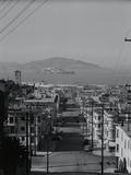 View of Alcatraz Island from Russian Hill Fotografisk tryk af Philip Gendreau