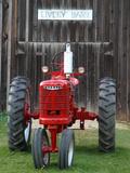 Old tractor, Indiana, USA Fotografisk tryk af Anna Miller