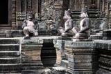 Cambodia, Angkor Wat. Banteay Srei Temple, Three Monkey Statues Reprodukcja zdjęcia autor Matt Freedman