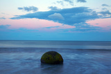 Moeraki Boulder, North Otago, South Island, New Zealand Photographic Print by David Wall