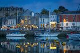 Twilight over Harbor Village of Padstow, Cornwall, England Fotografisk trykk av Brian Jannsen