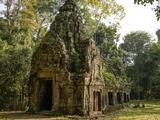 Cambodia, Angkor Wat. Small Temple Reprodukcja zdjęcia autor Matt Freedman