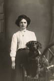 Woman with Cocker Spaniel Reproduction photographique