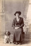 Woman and Her Cocker Spaniel Papier Photo