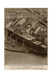 Queen Mary Ocean Liner Crisis Stops Work Giclee Print