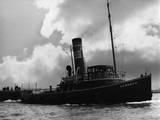 London Tug 1939 Photographic Print