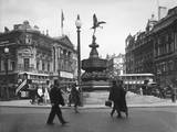 Piccadilly Circus 1930S Photographic Print