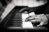 Hands on a Piano Fotografisk trykk av Giuseppe Torre