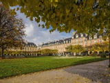 Le Marais, Place (Square) Des Vosges in Autumn (Fall) Photographic Print by Massimo Borchi