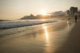 Ipanema Beach at Sunset, Rio De Janeiro, Brazil, South America Fotografisk tryk af Ben Pipe