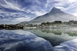 Lenticular Cloud Above Lion's Head on Signal Hill Reflected in Ocean, Camp's Bay, Cape Town Fotografisk trykk av Kimberly Walker