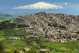 Hill Town with Backdrop of Snowy Volcano Mount Etna, Gangi, Palermo Province Fotografisk trykk av Rob Francis