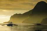 Outrigger at Sunset in the Bay of El Nido, Bacuit Archipelago, Palawan, Philippines Fotografisk trykk av Michael Runkel